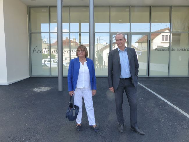 Francine Granié Adjoint déléguée aux affaires scolaires, ressources humaires et Conseiller communautaire - Pierre Fond Maire de Sartrouville